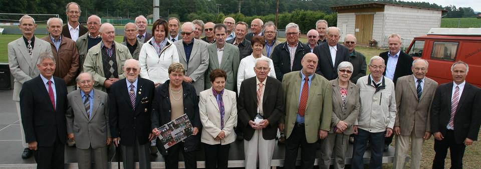 Viele treue Mitglieder: Zum 110-jährigen Bestehen ehrte der TSV/DJK Wiesentheid Mitglieder, die 50 Jahre oder länger beim Verein sind.