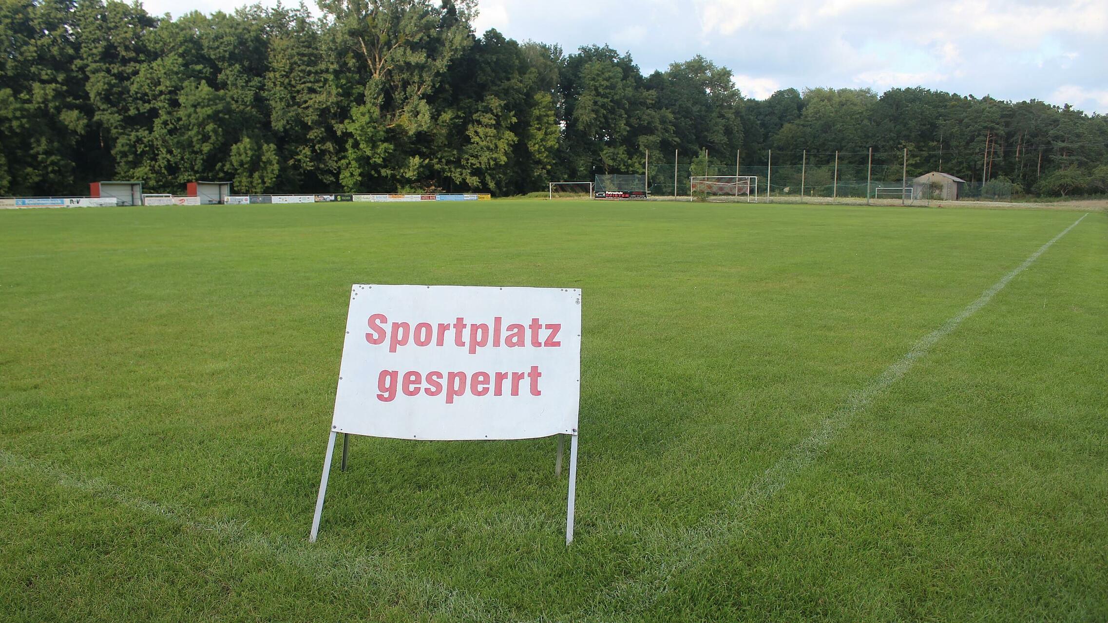 Sportplatz Gesperrt TSV/DJK Wiesentheid 2010910